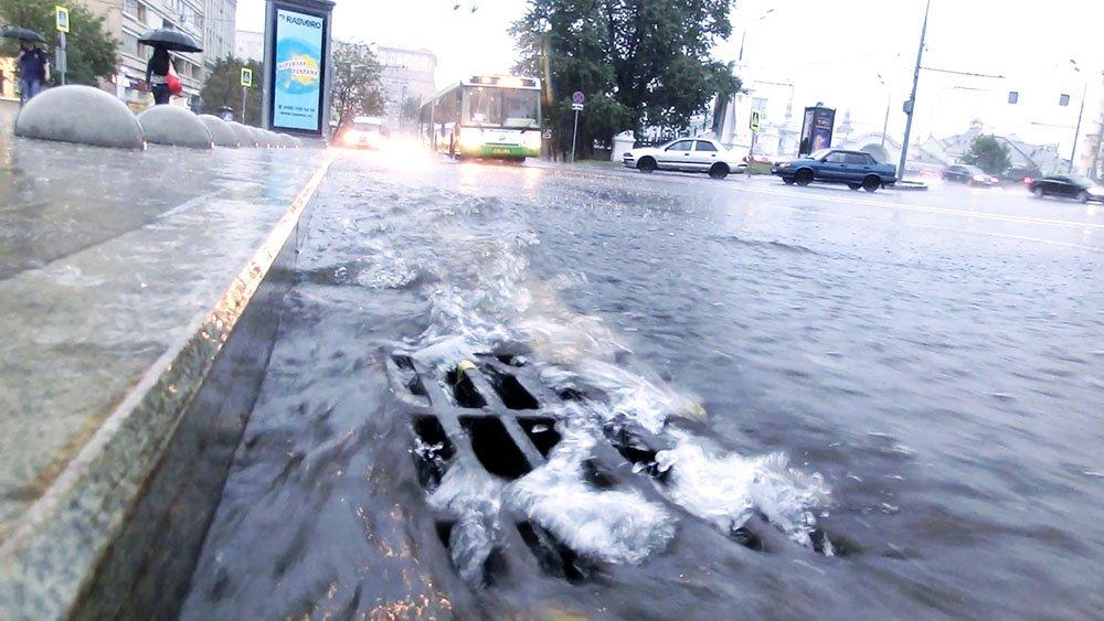 Неменее 20% месячной нормы осадков выпало засутки в столице России