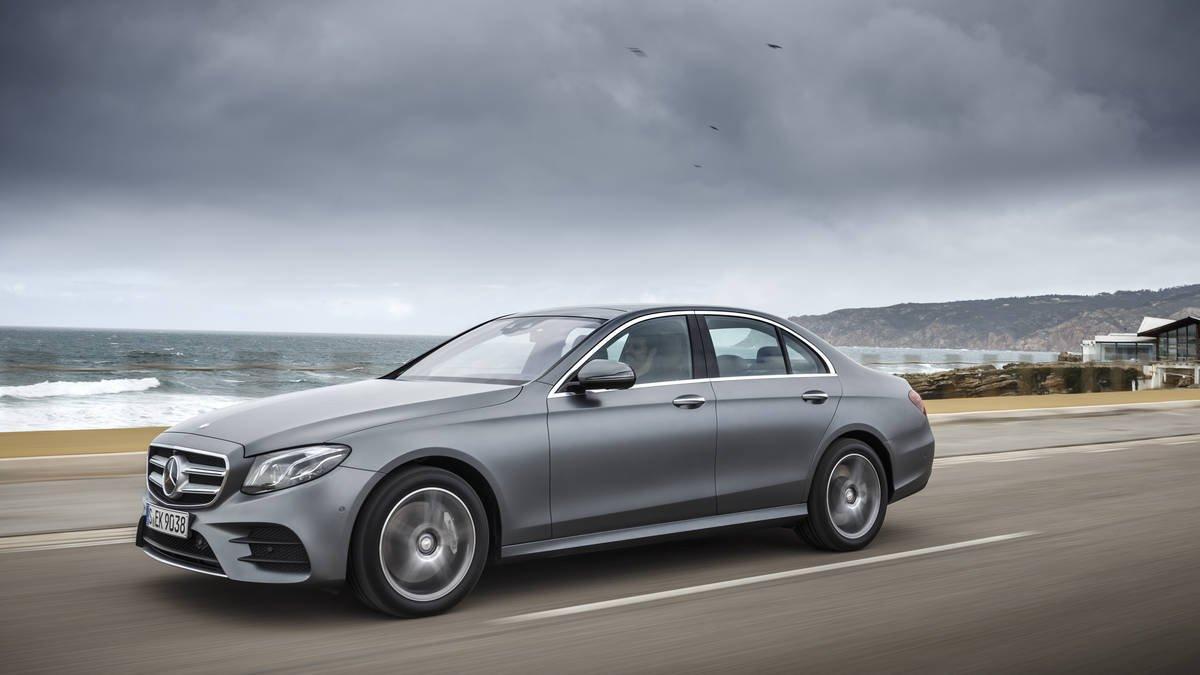 Benz выводит нарынок седан E300 2017 модельного года