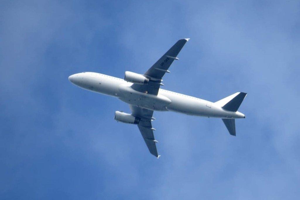 Недолетел самолет изУфы в столицуРФ из-за сложностей стехникой