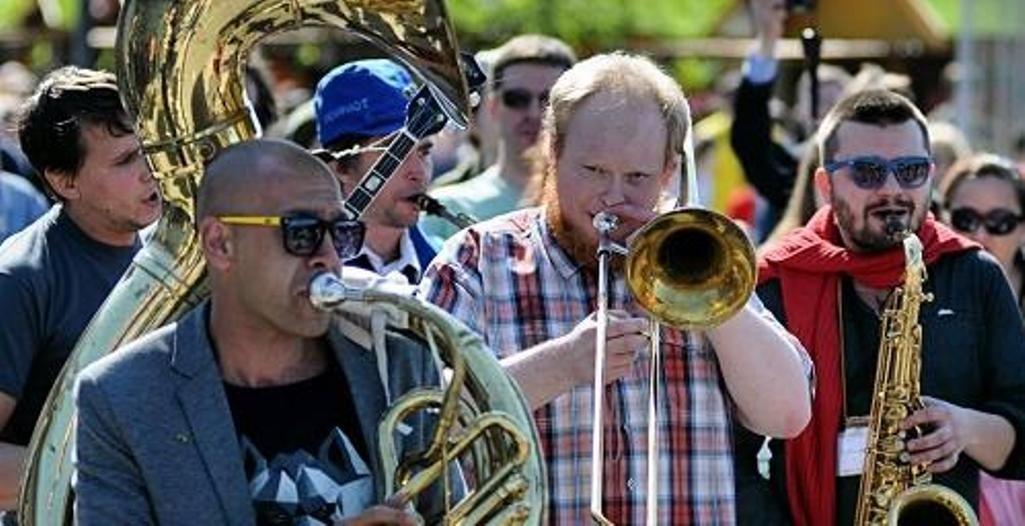 В столицеРФ 9мая пройдет фестиваль шагающих оркестров