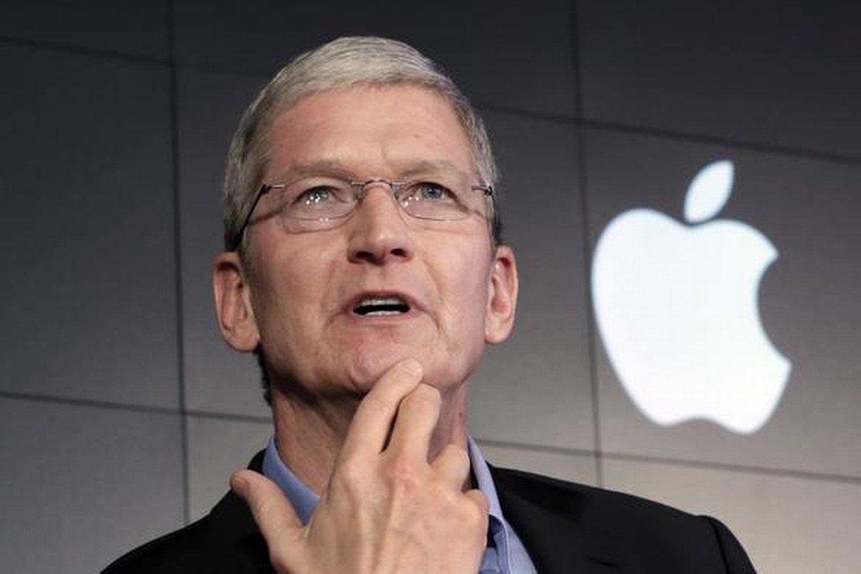 Рыночная капитализация компании Apple вСША впервые превысила 800 млрд долларов