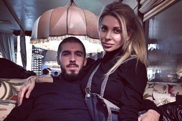 Лиза Кутузова родила второго ребенка вместе с супругом
