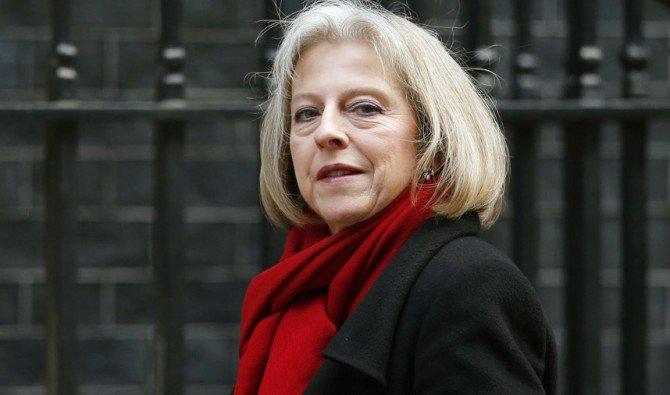 Британский премьер Тереза Мэй пообещала посодействовать чеченским геям