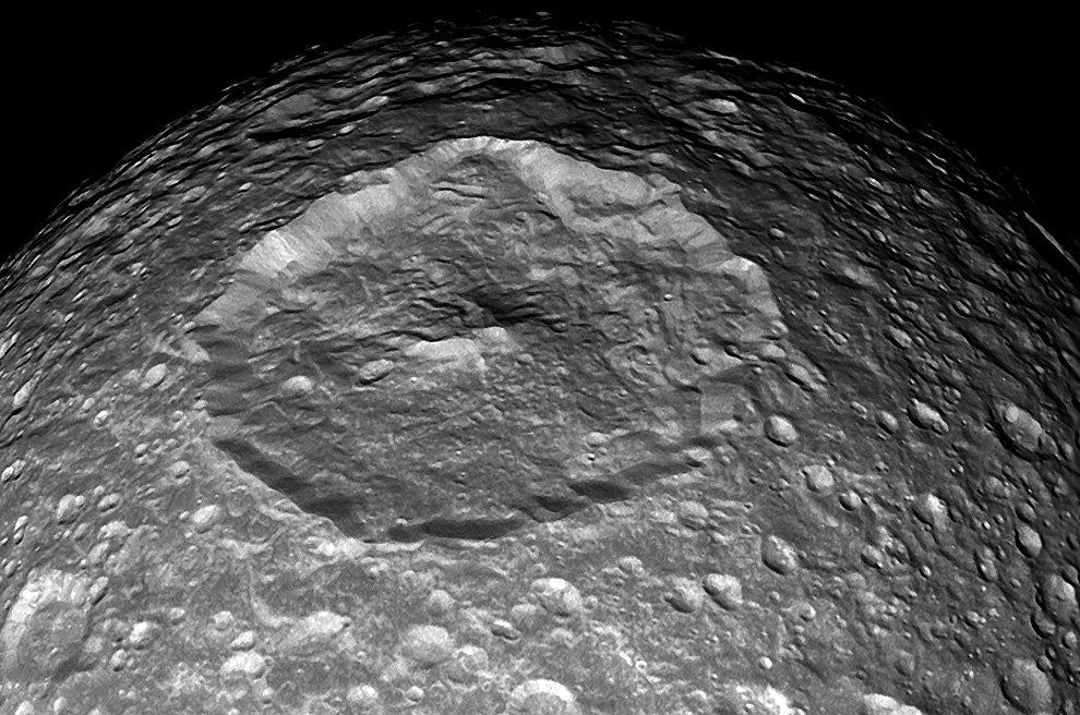 Ученые дали прозвище «Звезда смерти» спутнику Сатурна