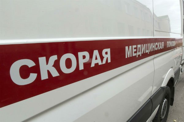 ВЯрославле родственница пациента напала скостылем на мед. сотрудников скорой