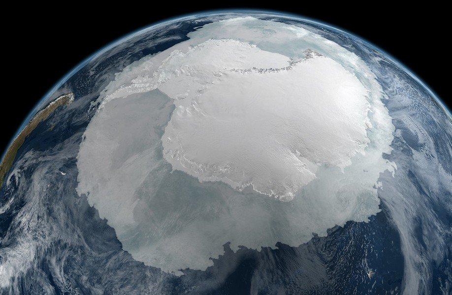 Ученые: ВАнтарктиде под толщей льда расположен огромный кратер отметеорита