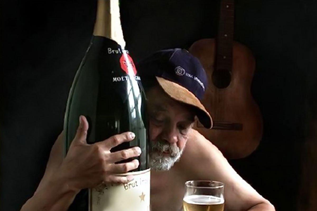 Ученые: спирт неменее небезопасен для людей смаленькими заработками