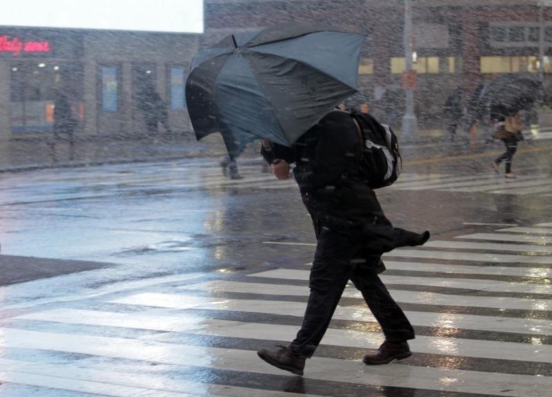 В столице России объявлено штормовое предупреждение из-за усиления ветра