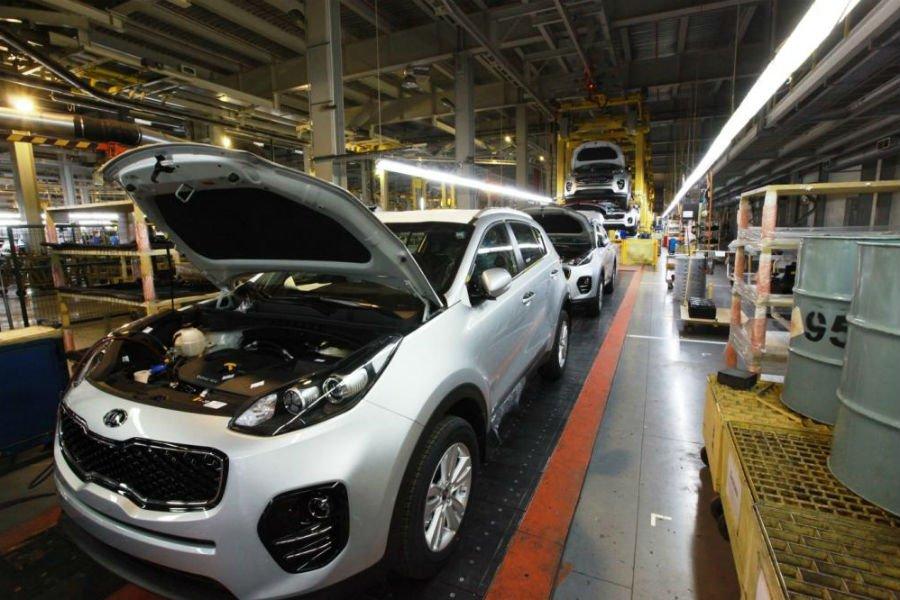 Кия  прекратила импорт собственных  авто  вРФ