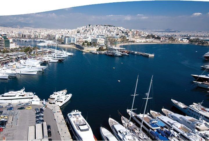 ВГреции начали бастовать моряки и корреспонденты