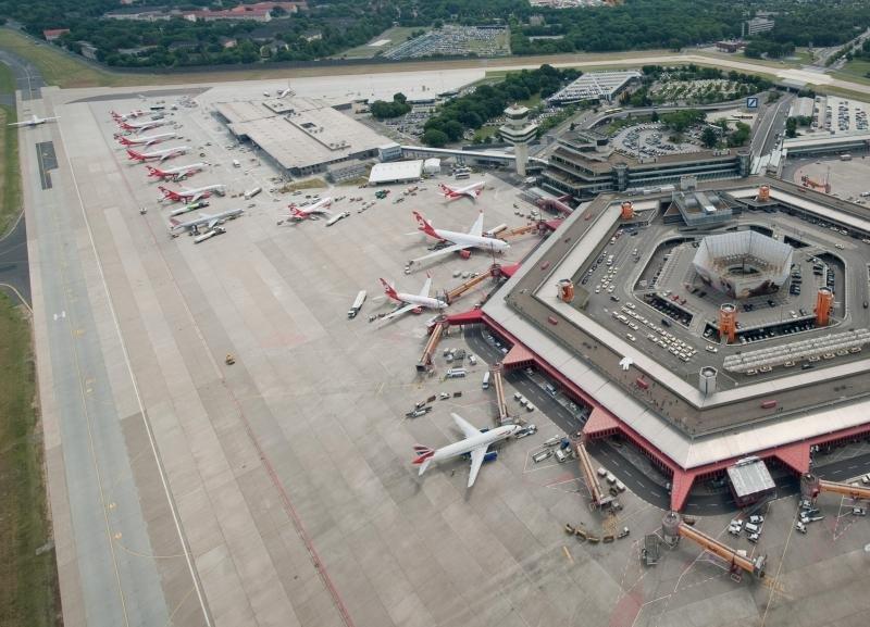 Терминал берлинского аэропорта открыли послеЧП сраспылением газа