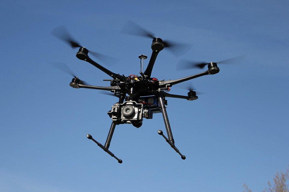 Мужчину, который запустил дрон над парламентом вСтокгольме, арестовали