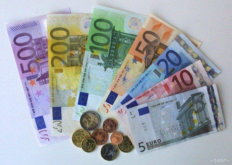 Курс евро перевалил отметку 64 рубля впервый раз задве недели