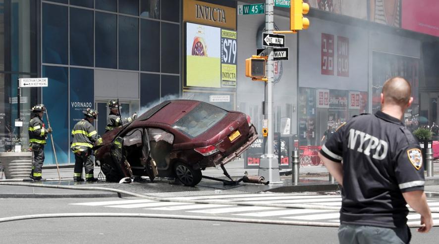 ВНью-Йорке неадекватный экс-военный протаранил толпу пешеходов
