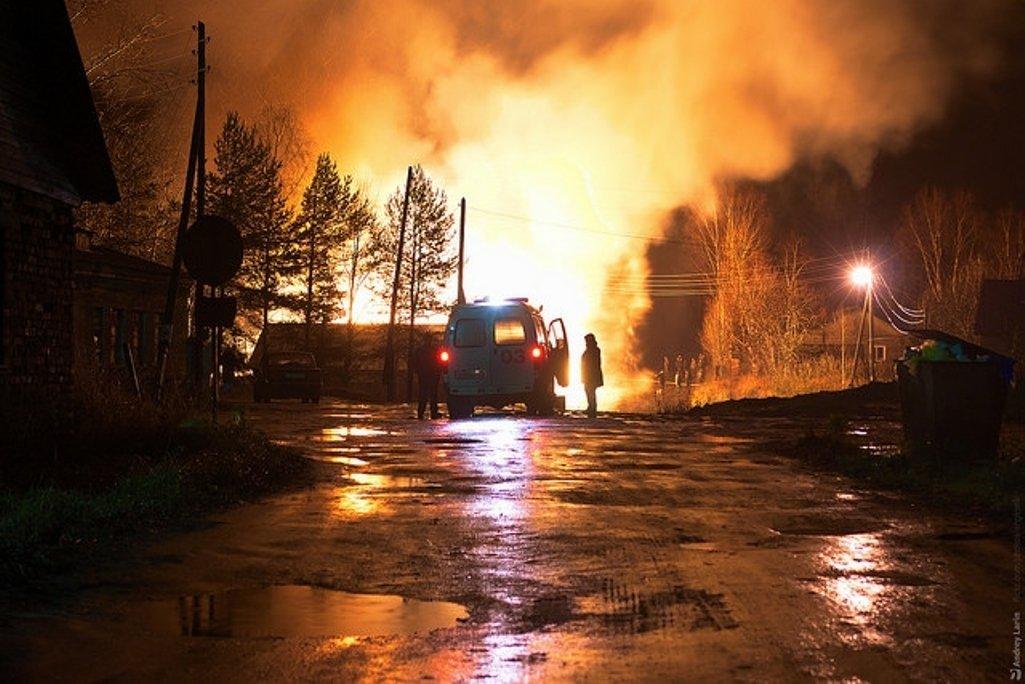 Видео крупного пожара наБолотниковской улице в столице России