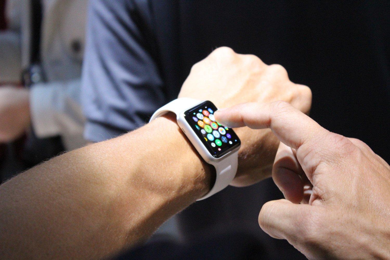 Глюкометр всмарт-часах Apple проверит насебе начальник компании Тим Кук