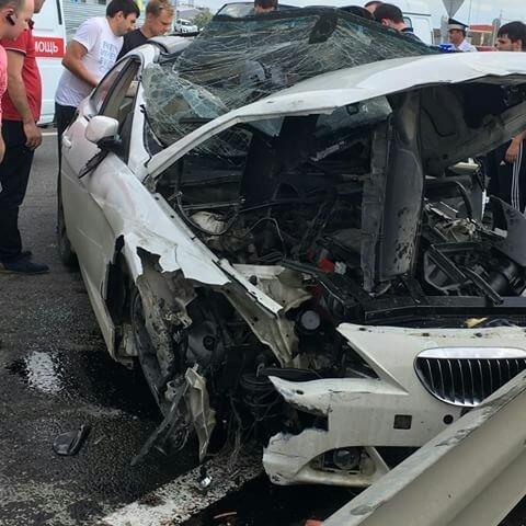 ВКраснодаре врезультате жесткого ДТП загорелась иномарка