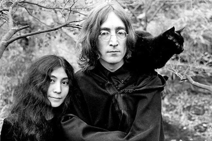 С аукциона в Нью Йорке проданы рисунки Джона Леннона и Курта Кобейна&#8205