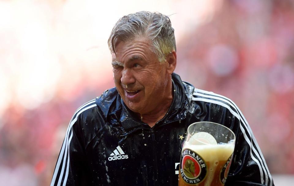 Анчелотти: тем игрокам, которые облили меня пивом, будет непросто впредсезонке