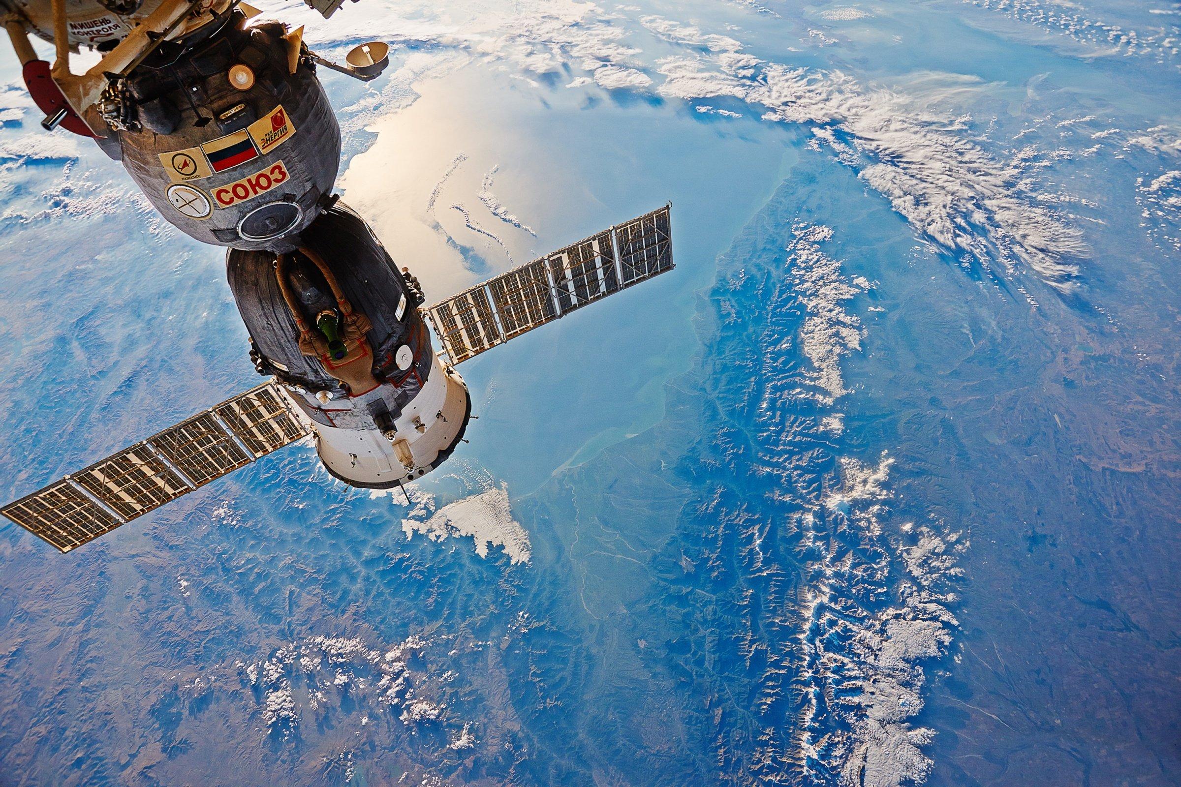 С 2019 года Союз будет доставлять на МКС сразу двух туристов
