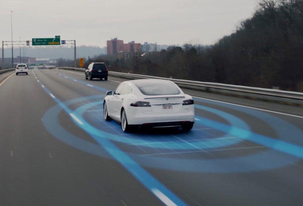 Илон Маск сравнил новый автопилот Tesla сшёлком