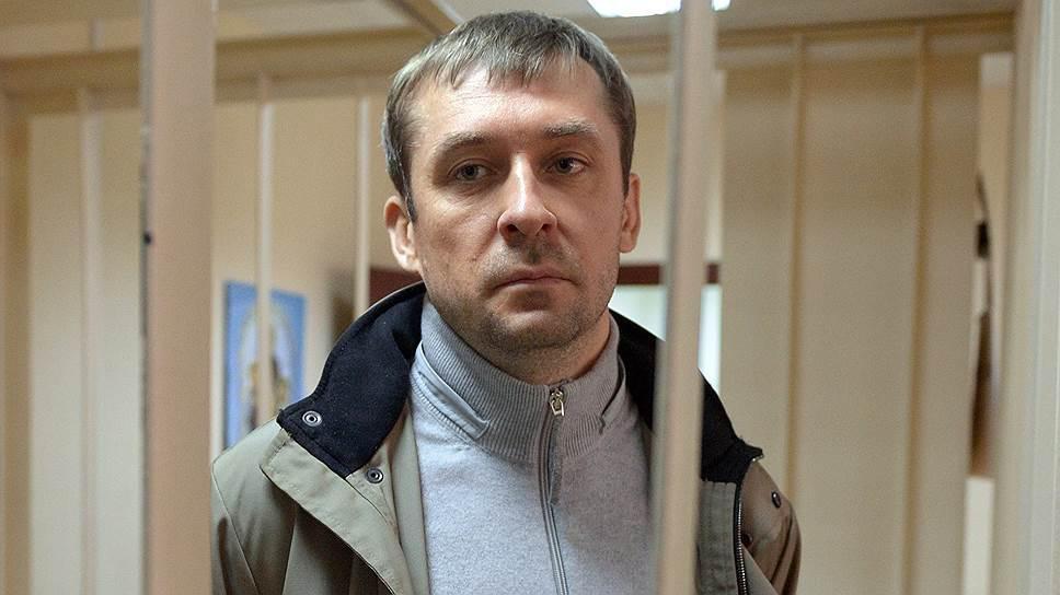 МИА-Банк потребовал ототца Захарченко 4 млн руб