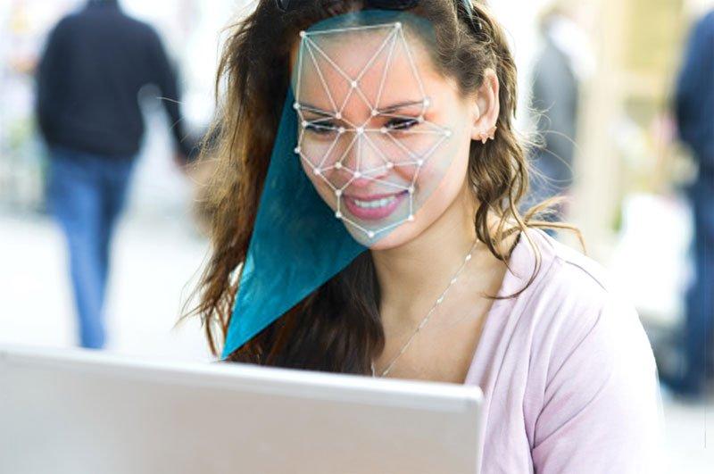 Китайские клиенты  смогут авторизовываться при помощи  своего лица