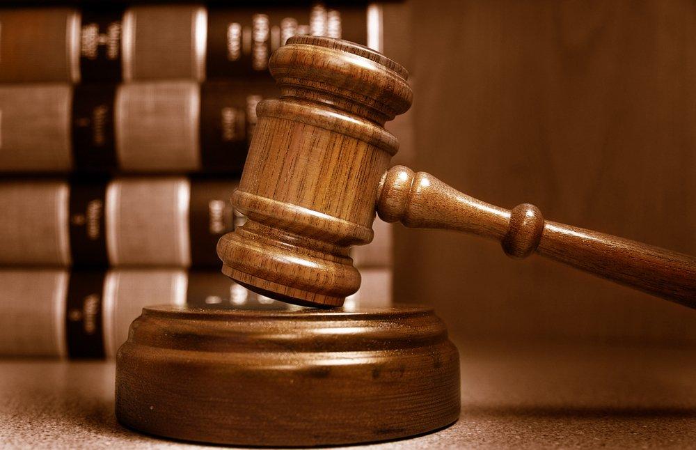 Насиловавших 12-летнюю дочь супругов лишили родительских прав вВолгограде