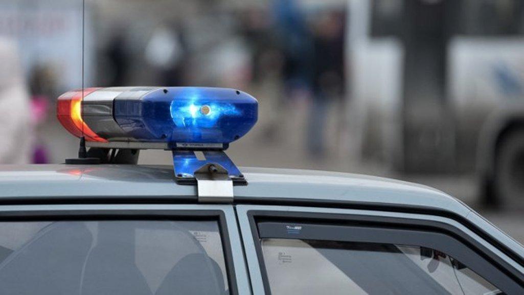 Рыжеватый очкарик домогался до15-летней школьницы наПетроградке