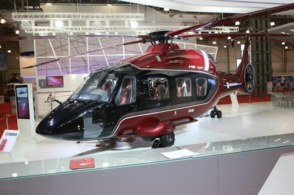 Новый гражданский вертолёт Ка-62 впервый раз поднялся ввоздух