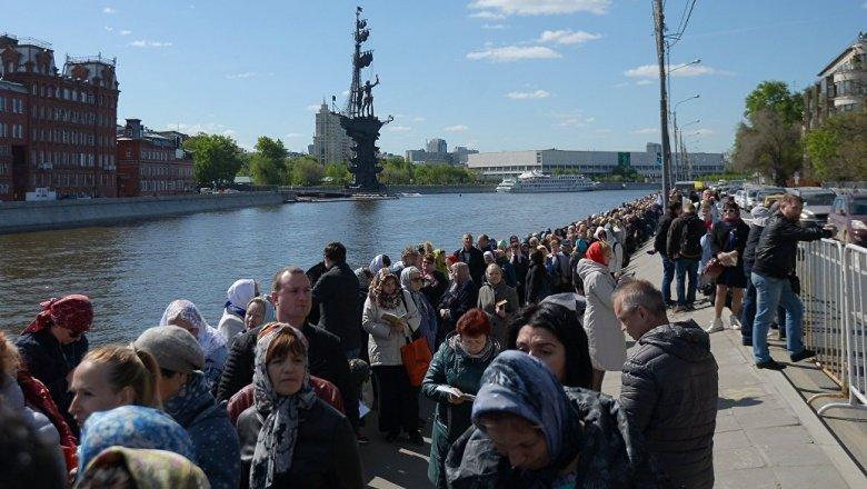Большинство граждан России думает приложиться кмощам Николая Чудотворца— опрос