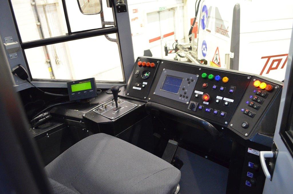 Высокоскоростной трамвай слетел срельс