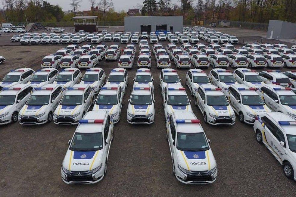 Украинская милиция получила 635 гибридных кроссоверов Митцубиши