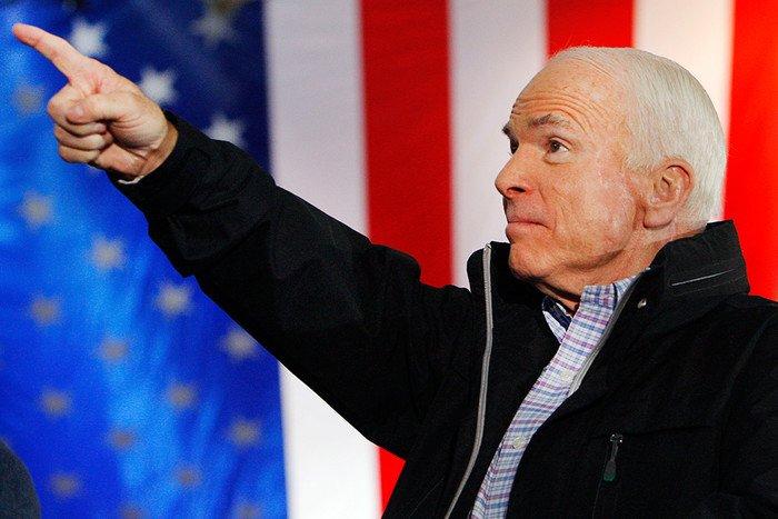 Путин представляет большую опасность, чем ИГИЛ,— Маккейн