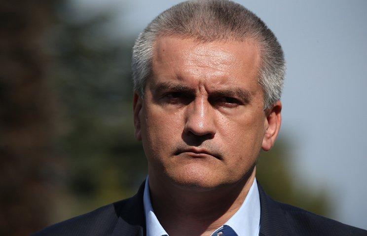 Аксенов выплатит штраф за вывоз мусора к домам чиновников в Крыму