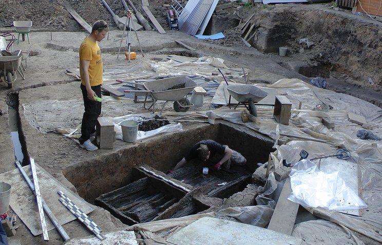 Археологи отыскали вВеликом Новгороде захоронение городских жителей X—XI вв.ека