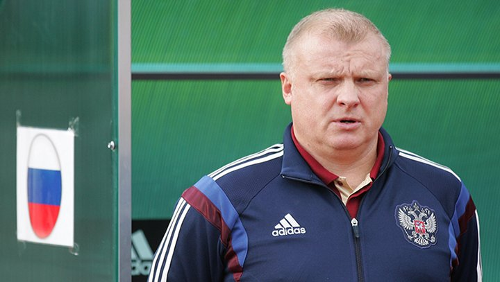 Главный тренер тульскогоФК «Арсенал» ушел вотставку