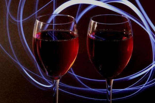 Вино лечит болезни Альцгеймера и Паркинсона - Ученые