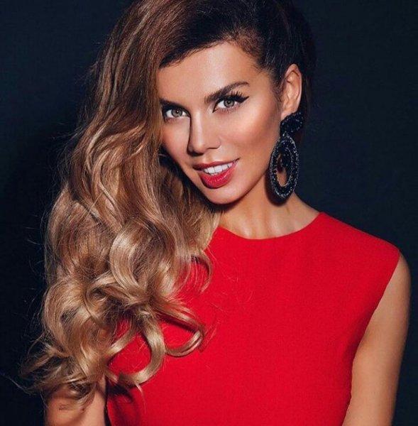 Анна Седокова, став мамой в третий раз, не хочет оставаться в декрете