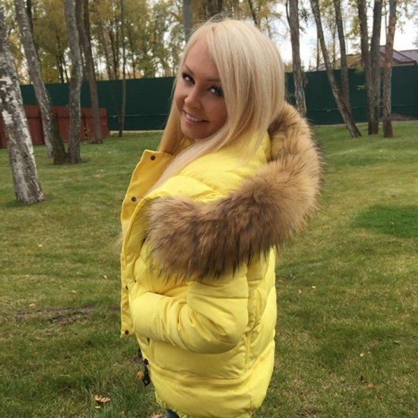 Звезда «Дома-2» Дарья Пынзарь показала поклонникам свою грудь