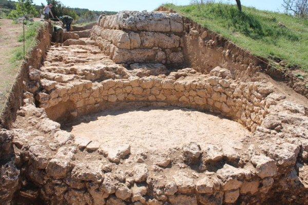 Археологи в Севастополе нашли древнейшую постройку