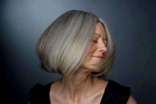 Найдены неожиданные причины появления седых волос