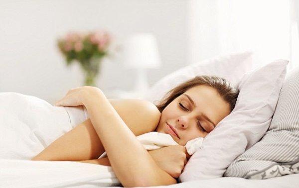 Ученые посчитали, сколько часов сна нужно женщинам