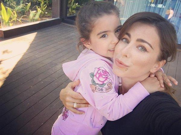 Ани Лорак очаровала поклонников снимком со своей маленькой дочерью