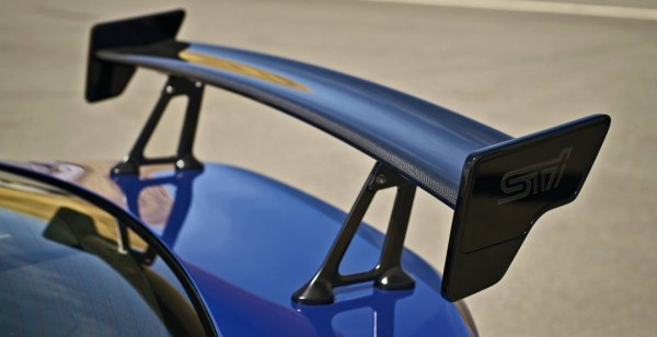 Subaru опубликовала тизер нового купе BRZ