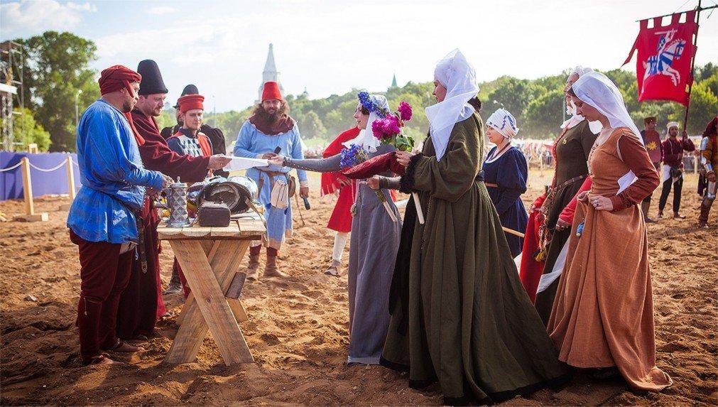 Фестиваль исторических реконструкций стартовал в столице России