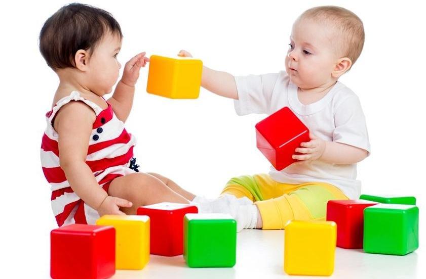 Новорожденные дети умеют распознавать цвета