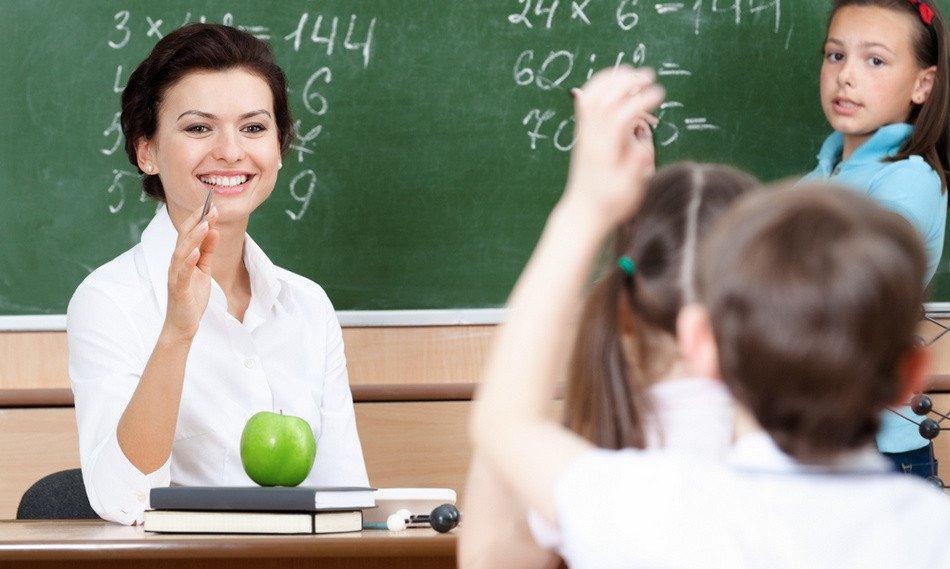 Руководство РФ: Средняя заработная плата тульских учителей— больше 27 тыс. руб.