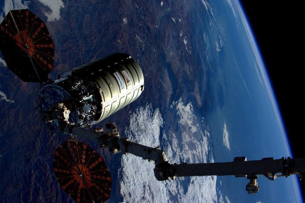 ОтМКС отстыковался грузовой американский корабль Cygnus