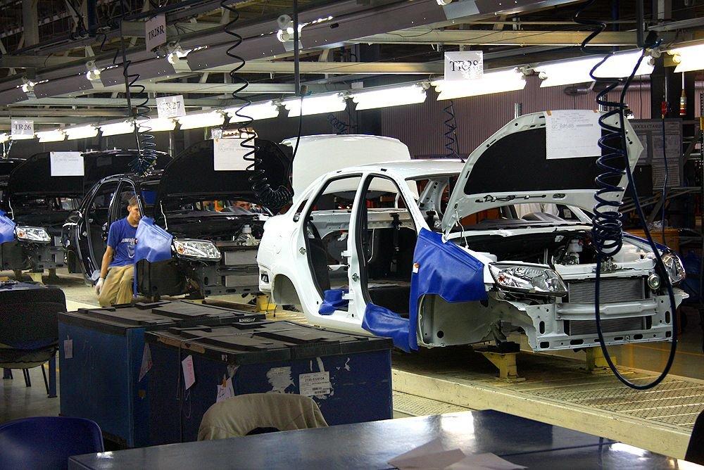 «АвтоВАЗ» получит субсидию наподдержку служащих при оптимизации